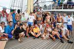 Во время перехода на борту парусника прошел тропический карнавал