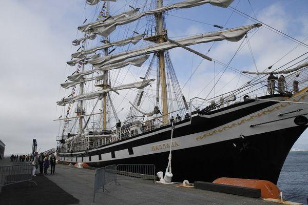 «Паллада» всегда рада гостям — любой желающий мог посетить парусник во время стоянки в порту