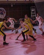 Команда вуза борется за первенство в городском чемпионате