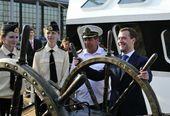 Дмитрий Медведев утвердил кругосветную парусную экспедицию